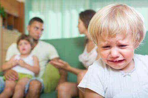 De gevolgen van ruziemaken waar je kinderen bij zijn