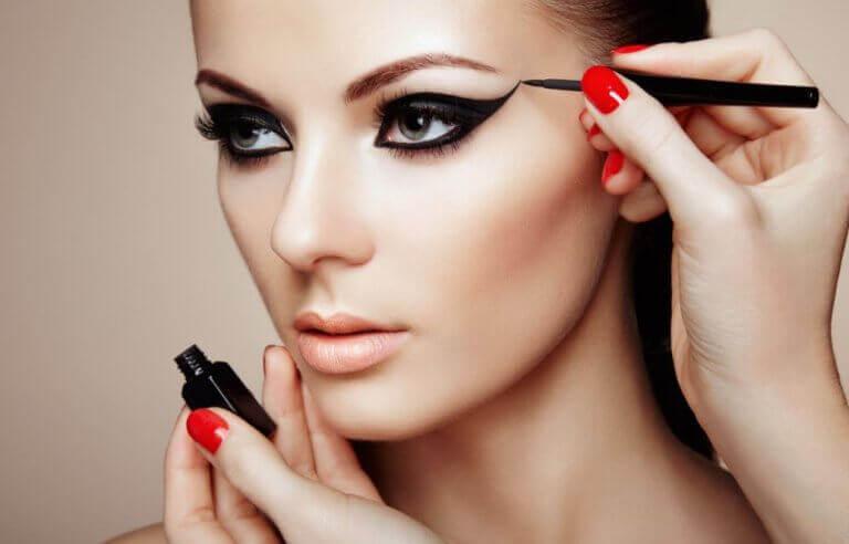 Probeer deze 7 make-up geheimen om er geweldig uit te zien