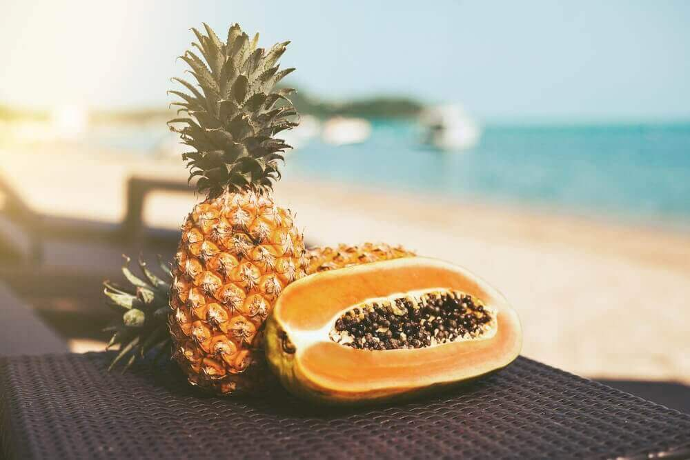 Ontgift je lichaam met papaja en ananas