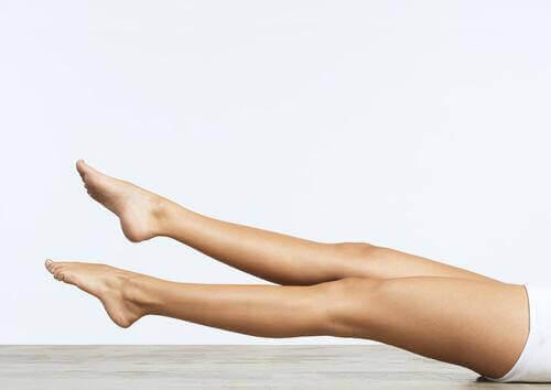 Oefeningen met benen om de bloedcirculatie op gang te brengen