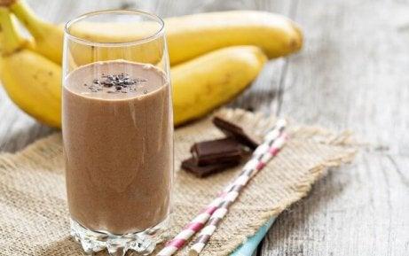 Smoothie met chocolade en banaan