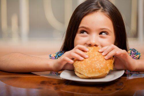 Hamburgers eten bij een vermijdende/restrictieve voedselinname stoornis