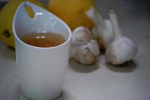 Urineweginfecties bij kinderen verlichten met knoflook