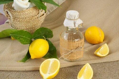 Ouderdomsvlekken behandelen: citroen en appelazijn