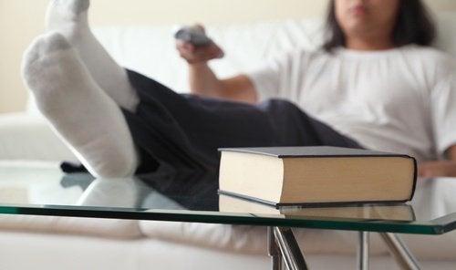 Slechte gewoonten die je sneller ouder maken zoals te veel zitten