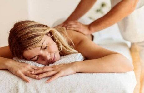 Een massage om je lichaam te alkaliseren