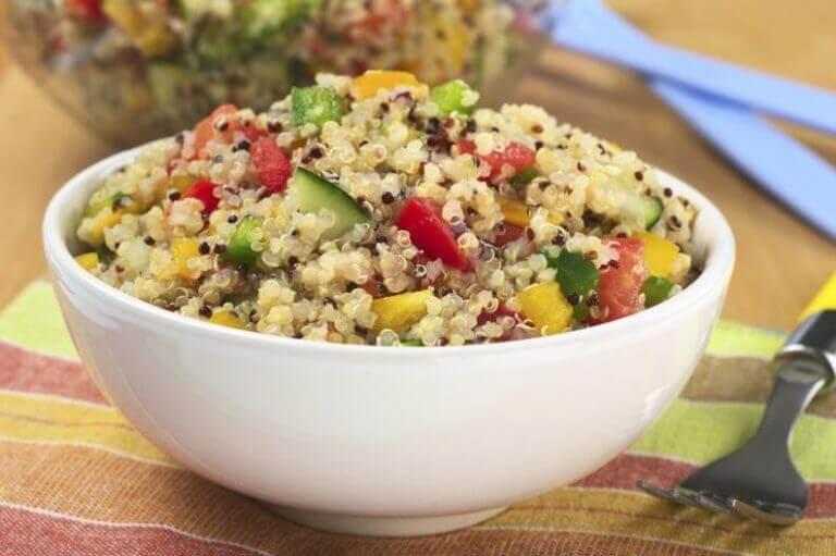 Kom met quinoa en groente