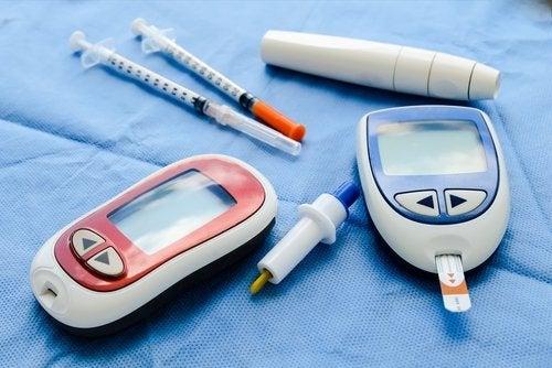 Rode en blauwe meters om bloed te testen
