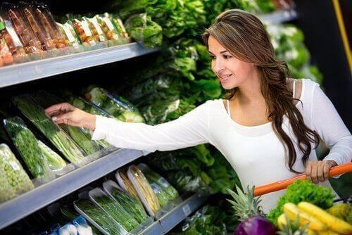 Gezond te eten met een beperkt budget door naar de markt te gaan