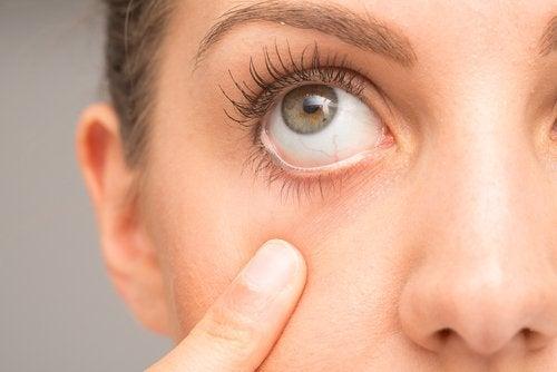 Vrouw met groen oog