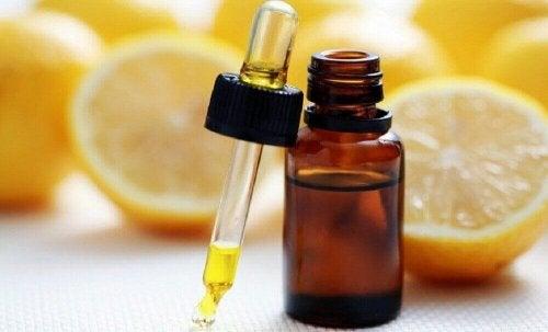 Citroen is één van de etherische oliën die helpt tegen overgewicht