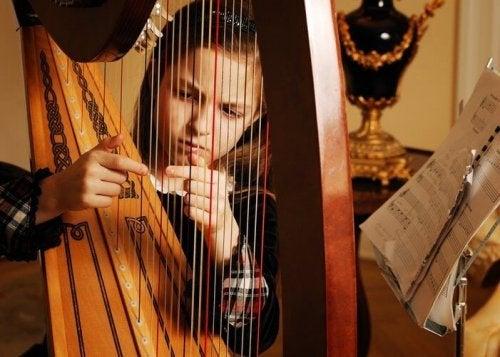 Harp spelen is ideaal als muziektherapie