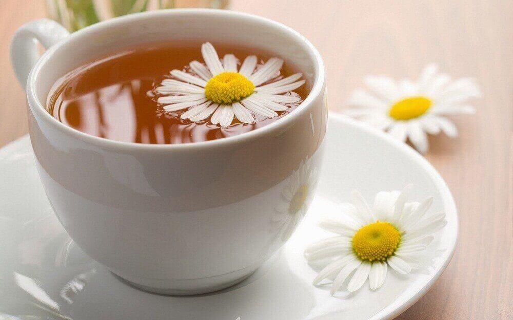 Prikkelbaredarmsyndroom behandelen met een thee van gember en kamille