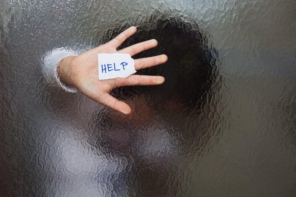 Moeders die zich eenzaam voelen hebben hulp nodig