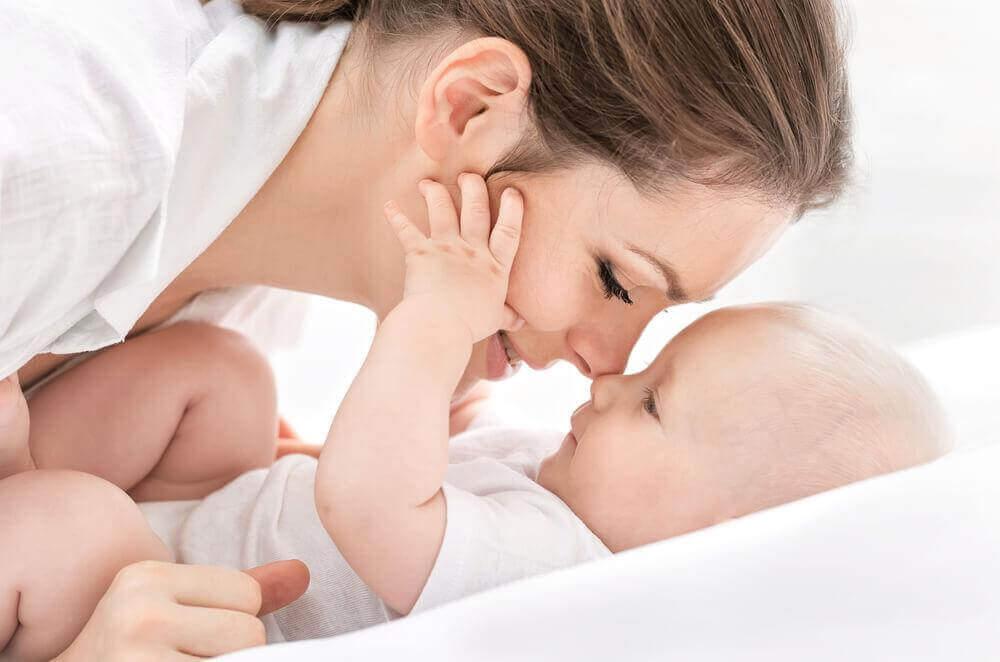Nieuwe mama en haar baby