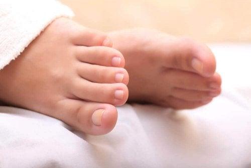 Ingegroeide teennagel behandelen met knoflook