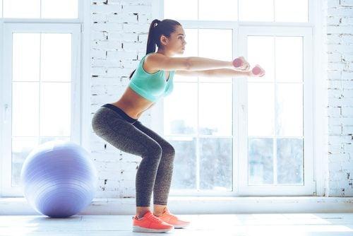 Trainingsfouten bij het squatten met gewichten