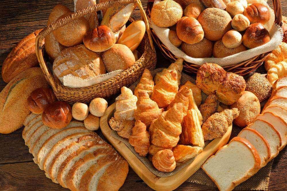 Verschillende soorten zoet brood en zoete broodjes