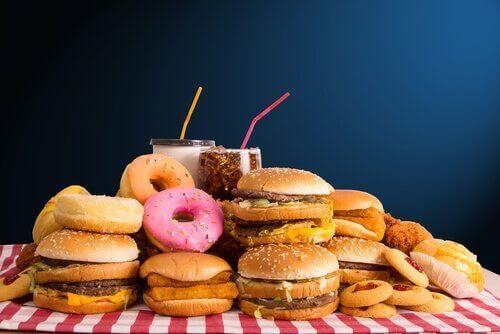 Donuts, hamburgers en ander junkfood