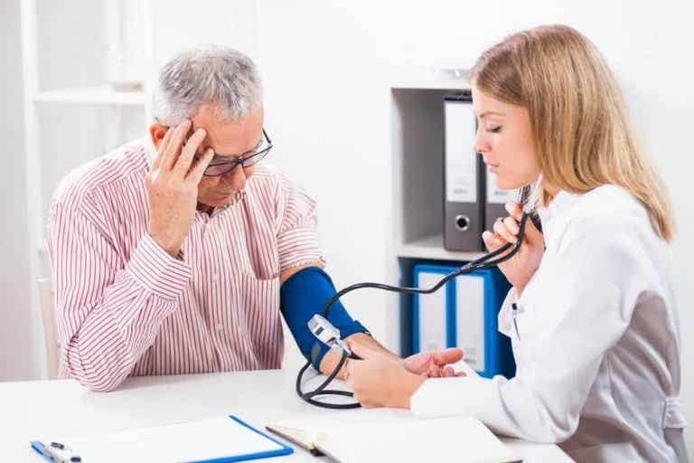 Een lage bloeddruk op een gezonde manier verhogen