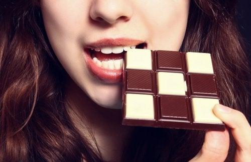Chocolade is voedsel dat slecht is voor de spijsvertering