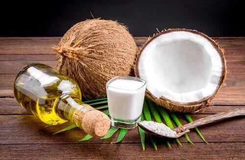 Combinatie van olie en kokosmelk