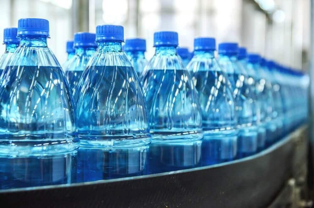 Mineraalwater in flessen