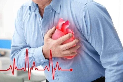 Een hartaanval herkennen kan op deze vijf manieren