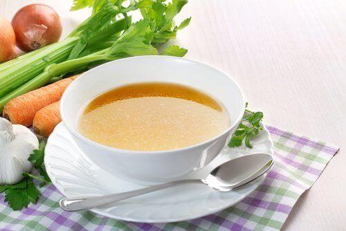 Overgeven voorkomen door soep te consumeren