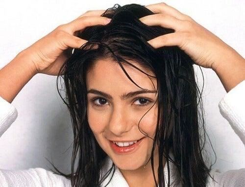 Advies om een pijnlijke hoofdhuid te voorkomen