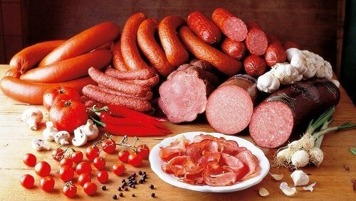 Eet geen bewerkt vlees bij het ontbijt