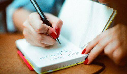 Hou een logboek bij van je voeding en je emoties