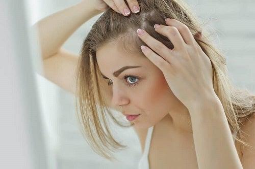 Zes mogelijke oorzaken van een pijnlijke hoofdhuid