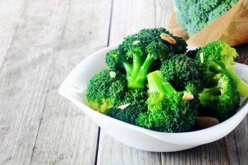 Schaaltje gekookte broccoli