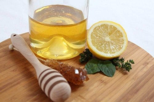 Citroen en honing tegen loopneus