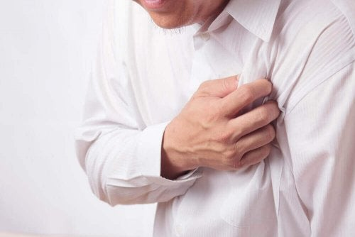 Pijn onder je oksel door hartaanval