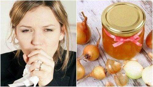Een remedie van honing en ui om hoest te verlichten