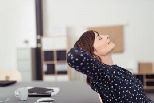 Aromatherapie kan helpen om beter te slapen