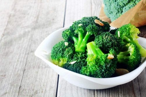Salade met broccoli