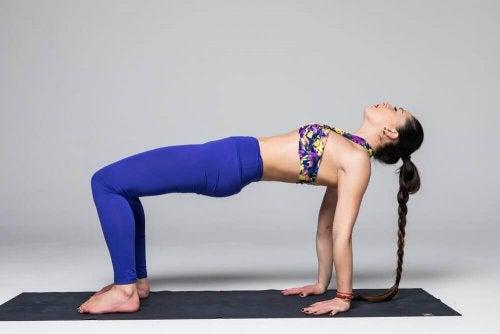 De brug bij yoga