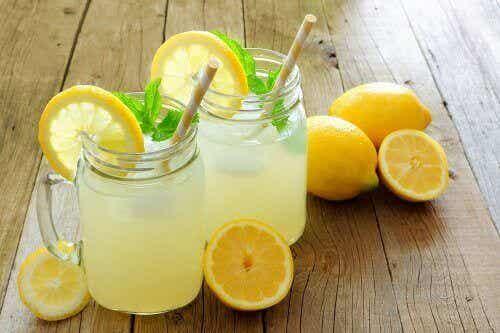 Kunnen citroen- en lijnzaadwater helpen om af te vallen?