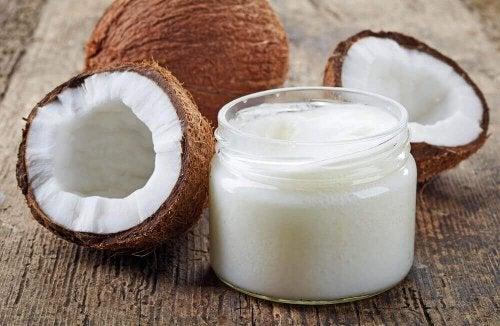 Striae verminderen met kokosolie