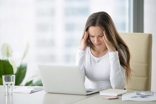 Vrouw met veel stress