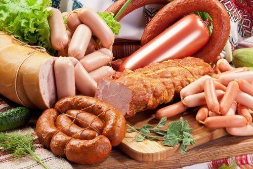 Beperk de inname van irriterende voeding en dranken