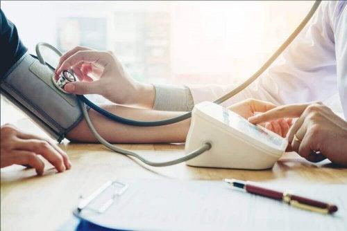 Een lage bloeddruk bestrijden met deze dieet-tips
