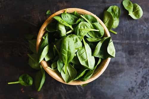 Een recept met spinazie en roomkaas voor heerlijke aperitiefhapjes