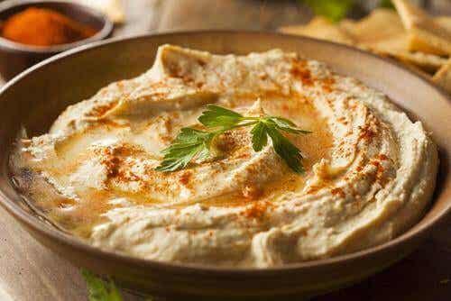 Hoe maak je een lightversie van hummus van kikkererwten?
