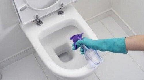 Met witte azijn kan je bepaalde dingen schoonmaken