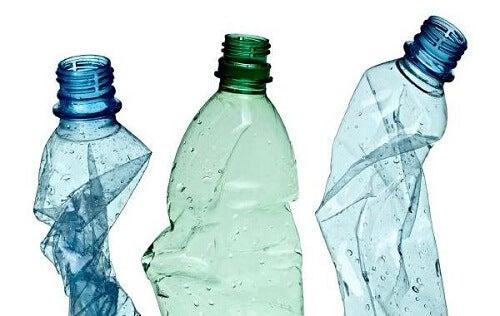 Recycleer plastic flessen