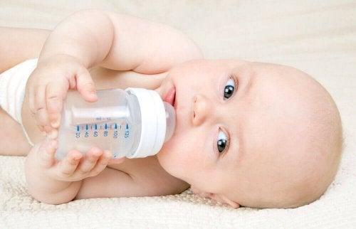 De Kassing-methode: fles- en borstvoeding combineren